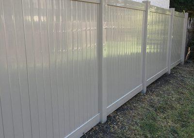 monochromatic pvc fence