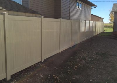 full yard pvc fence
